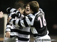 East Stirlingshire celebrate their Scottish Cup win over Buckie Thistle