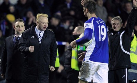Birmingham boss Alex McLeish congratulates his striker Nikola Zigic