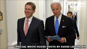 Jay Carney walking with Vice-President Joe Biden
