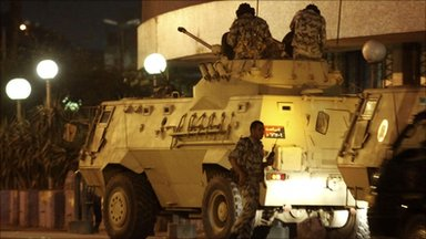 Egyptian army armoured vehicle outside TV building in Cairo (28 January 2011)