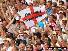 England supporters in 5th Ashes test 2011