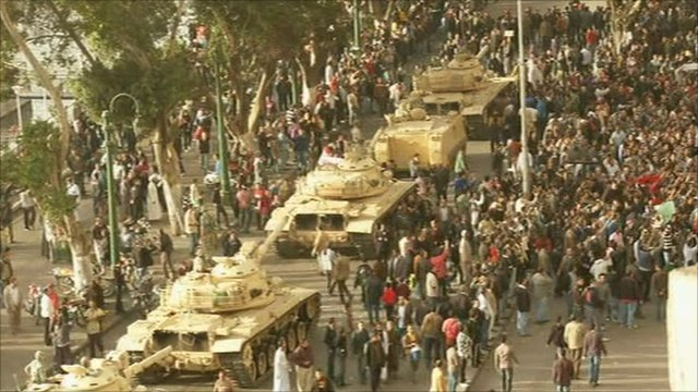 Tanks and people on the streets of Cairo