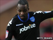 John Utaka leaves Portsmouth for Montpellier