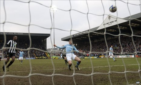 Edin Dzeko grabs the equaliser