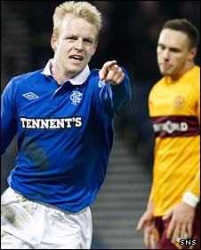 Steven Naismith celebrates his winner