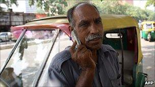 India mobile phone consumer