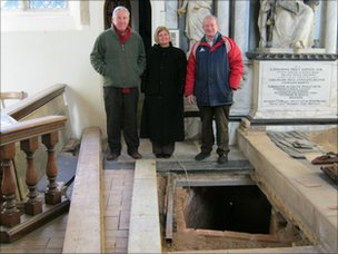 Julian van Beveren, Kathy Mills and Bob Hayward in Redgrave church