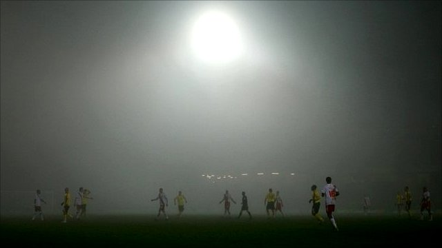 Watford v Crystal Palace at a foggy Vicarage Road