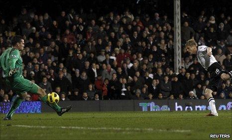 Damien Duff scores past former team-mate Steve Harper