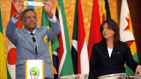 Caf officials hold the draw