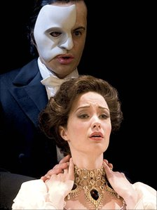 Sierra Boggess and Ramin Karimloo in Love Never Dies (photo by Catherine Ashmore)