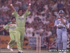 Imran Khan celebrates the wicket of England number 11 Richard Illingworth