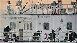 South Korean commandos storming the seized Samho Jewelry - 21 January 2011