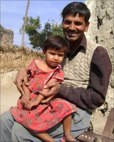 Farmer Sanjay Kumar with daughter Naina