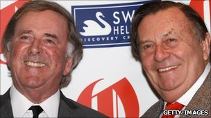 Barry Humphries (r) with Sir Terry Wogan