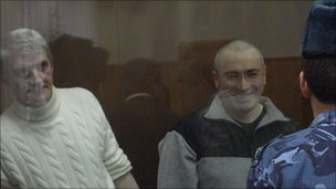 Platon Lebedev (L) and Mikhail Khodorkovsky (courtesy Cyril Tuschi)