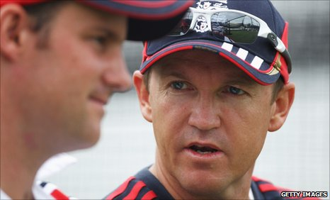Andy Flower (right) & Andrew Strauss