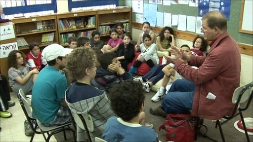 Michael Morpurgo meets Israeli and Arab children