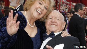 Mickey Rooney with wife Jan