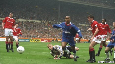 Mark Stein in action for Chelsea in the 1994 FA Cup final