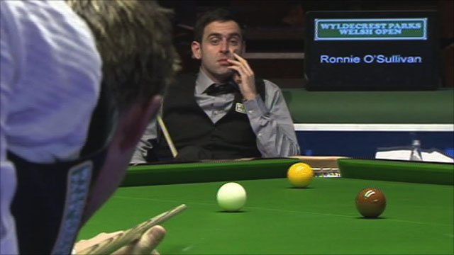 Ronnie O'Sullivan looks on as Ryan Day hits a century