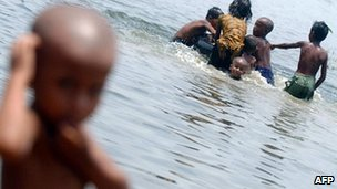 Children playing in the Turag river on the outskirts of Dhaka