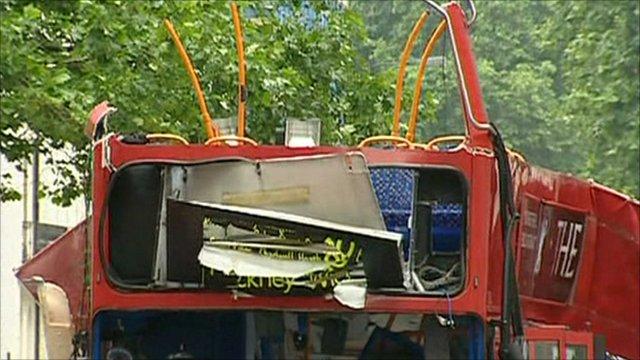 7/7 bus bombing scene