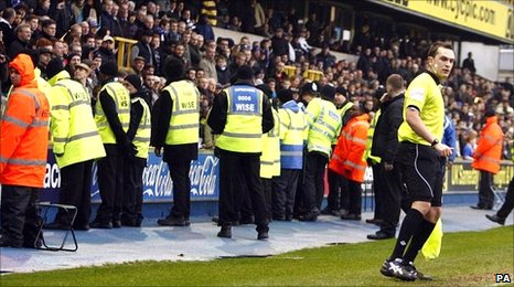 Police step in during Millwall's match with Middlesbrough