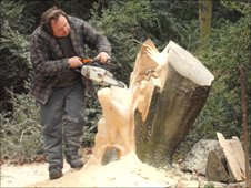 David Bytheway sculpting with a chainsaw