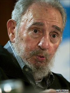 Fidel Castro speaks during a meeting with Cuban and foreign intellectuals visiting Havana&#039;s International book fair on 15 February 