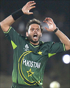 Shahid Afridi in action