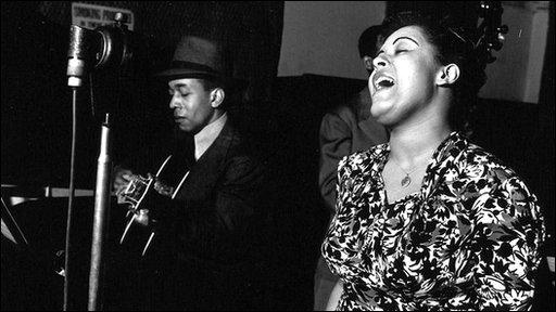 Billie Holiday sings 'Strange Fruit'