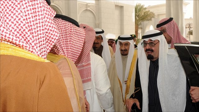 King Abdullah is greeted by Saudi princes on his arrival  in Riyadh