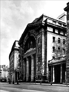 Bush House in London in the 1940s