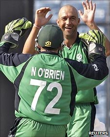 Andre Botha celebrates the wicket of Tamim Iqbal with Niall O'Brien