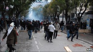 Demonstrators in central Tunis 26/02/2011