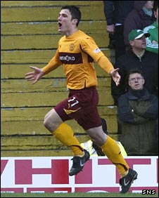 John Sutton celebrates his goal for Motherwell