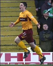 John Sutton celebrates his goal for Motherwell
