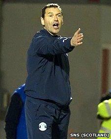 Hibs manager Colin Calderwood