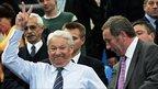 Yeltsin gives victory salute - Itar-Tass 2004