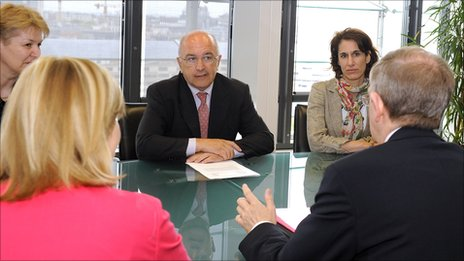 EU Competition Commissioner Joaquin Almunia (centre) meeting corporate managers (archive pic, source: EU)