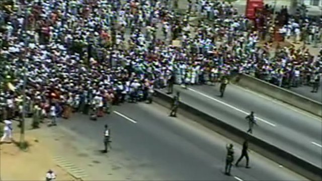 Protesters and armed forces in Abidjan