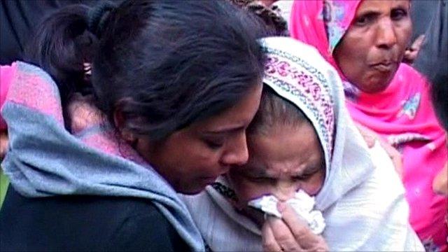 Women mourning Shahbaz Bhatti