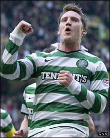 Kris Commons celebrates against Hamilton