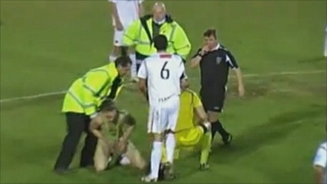 Footballer tackles man in mankini (footage by hawksfconline)