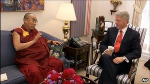 The Dalai Lama meets President Bill Clinton on 20 June 2000