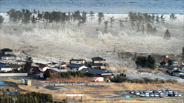 Tsunami Pictures Japan hit by tsunami after