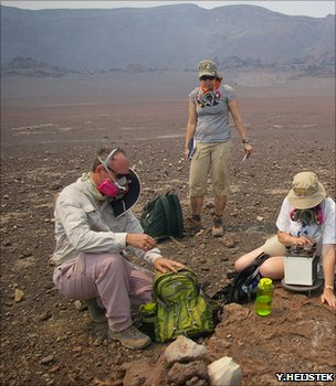 An Earthwatch team at work in the Masaya Crater, Nicaragua (Image: Yoka Heijstek)
