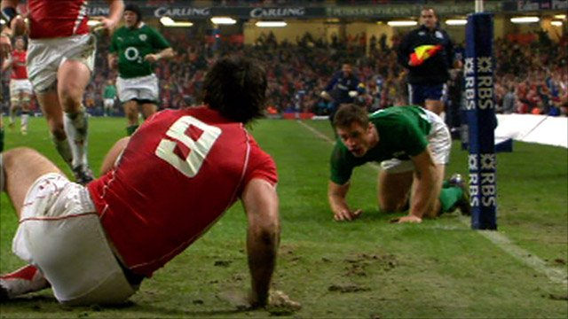 Wales are awarded a controversial try in Cardiff