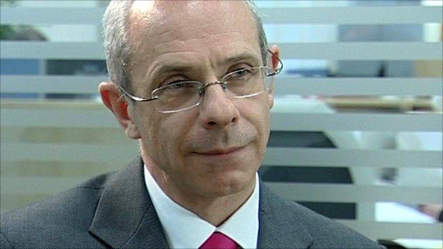 Dr David Bennett